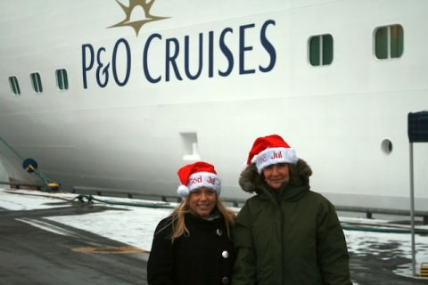 Sara Eriksson and Liselott Bjärving, representing the city and port of Göteborg, welcome P&O's Arcadia — on a winter cruise in Northern Europe.