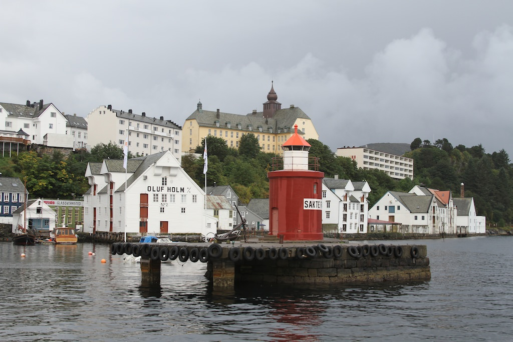 Alesund's Molja Lighthouse houses Room 47 for the small boutique Hotel Brosundet.