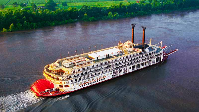 The steamboat American Queen