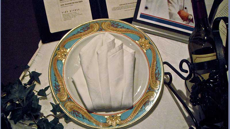 Fine China at Harry's on Carnival Liberty