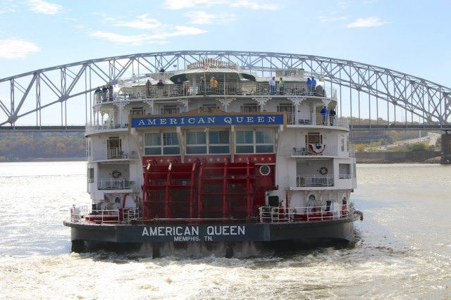 American Queen paddlewheels cruise