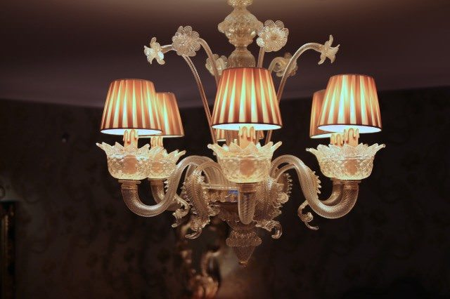 During the restoration, chandeliers were broken down into their thousands of constituent pieces and sent to the Venetian artisans Galliano Ferro on the island of Murano. ©2013 Ralph Grizzle
