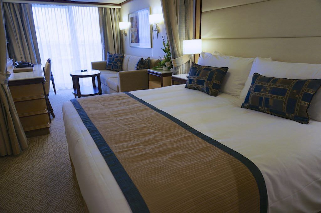 Royal Princess Staterooms Amp Suites In Photos Amp Video