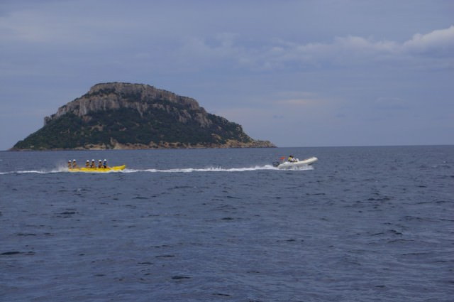Banana Boat Seabourn Quest