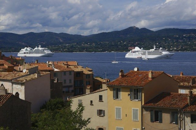 Seabourn Quest, left, and Silver Wind, right, anchored in Saint-Tropez. © 2013 Ralph Grizzle