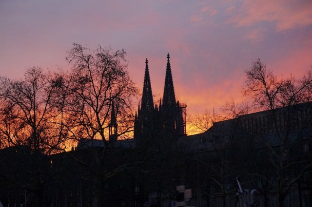 Silhouette of the Cologne Cathedral. © 2013 Ralph Grizzle