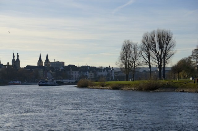 Coming into Koblenz. © 2013 Ralph Grizzle
