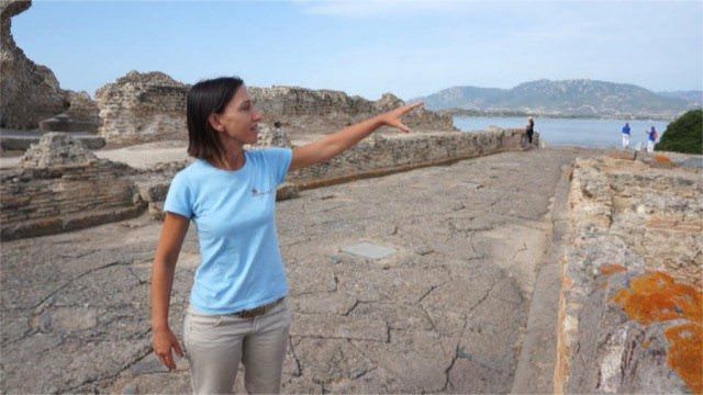 Valeria Spada, tour guide at the Nora archaeological site