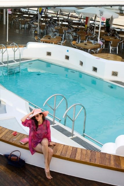 Louis Cristal has a main midships pool and an aft-facing hot tub located at the stern. Photo courtesy of Cuba Cruise