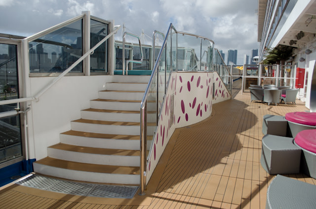 The Lanai also features four hot tubs: two on the port side; two on the starboard side. Photo © 2014 Aaron Saunders