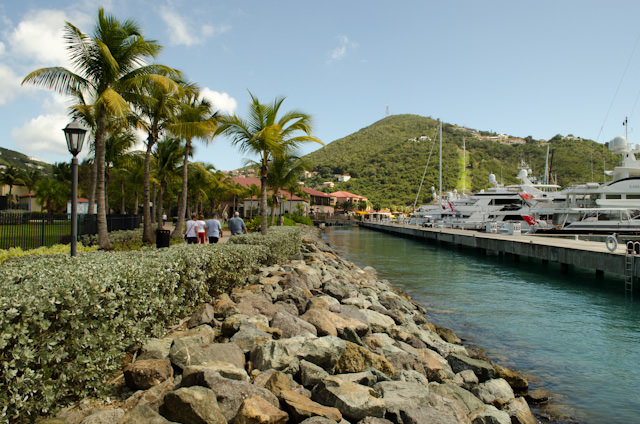 Returning to the Carnival Breeze via Yacht Haven Grande. Photo © 2014 Aaron Saunders