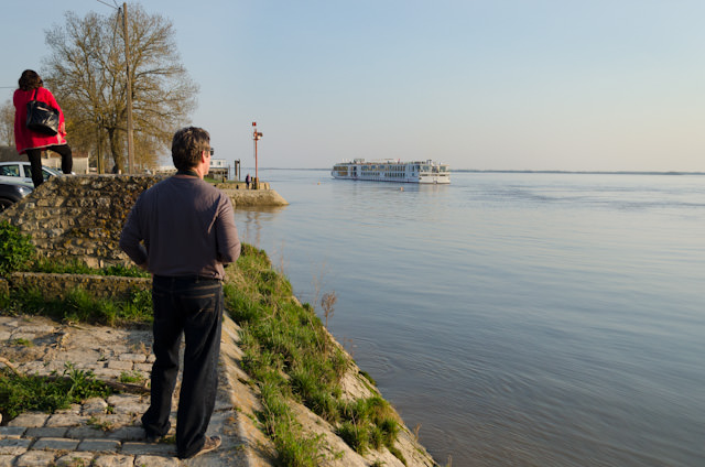 Watching Viking Forseti reposition docks in Blaye, France. Photo © 2014 Aaron Saunders