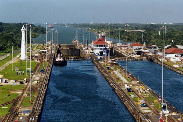 The Panama Canal's Gatun Locks. Photo courtesy of Wikipedia / Creative Commons