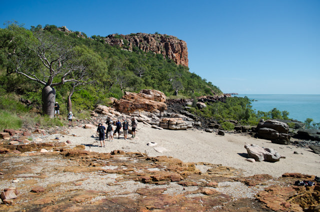 Setting out on our hike: it's only two kilometres, but you'll make it in nearly 40-degree Celsius heat. Photo © 2014 Aaron Saunders