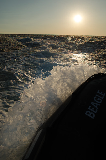 The turbulent water continues until nearly all 4 metres of reef height are out of the water. Photo © 2014 Aaron Saunders