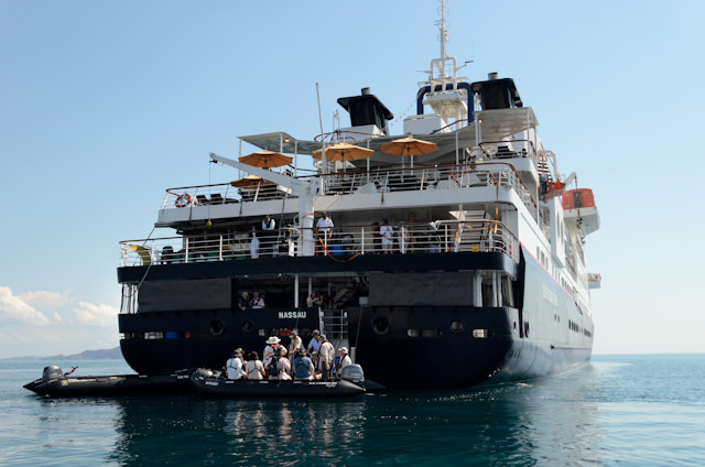 Day Exploring The Kimberley Day Avid Cruiser - Silver discoverer