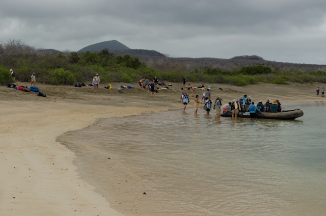 Guests head back to the Silver Galapagos...Photo © 2014 Aaron Saunders