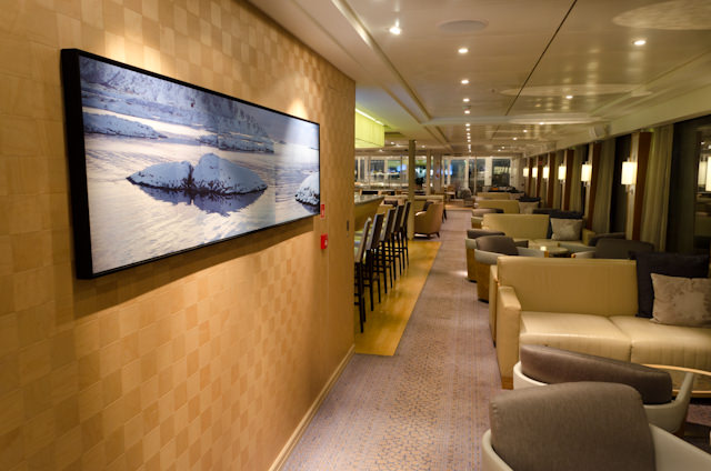 Entering the Viking Lounge, starboard side. Photo © 2014 Aaron Saunders
