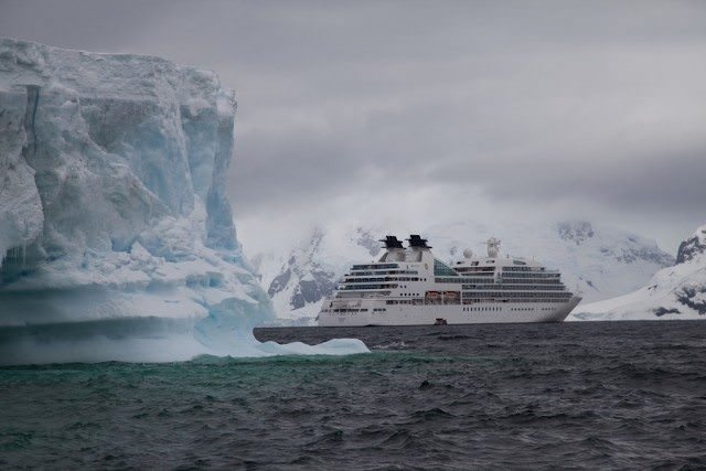 Seabourn Quest, Icebergs