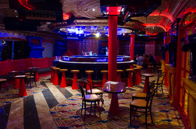 The vibrant Scott's Piano Bar, quiet while most guests were still at dinner. Photo © 2015 Aaron Saunders