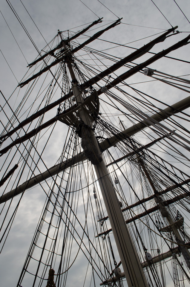 ...and imposing main mast. Photo © 2015 Aaron Saunders