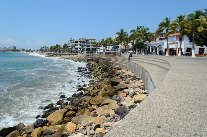 Looking back down the length of the Malecon. Photo © 2015 Aaron Saunders
