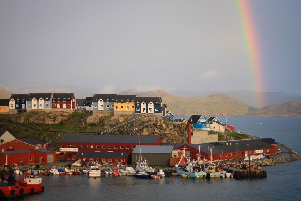 Colorful Greenland. © 2010 Ralph Grizzle