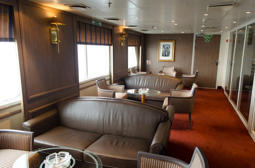 ...and the Connoisseur's Club on Deck 5 aft, adjacent to the Panorama Lounge. Photo © 2015 Aaron Saunders