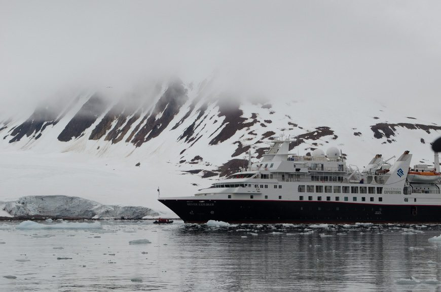 Heading back to the Silver Explorer, looking striking against the ice and snow. Photo © 2015 Aaron Saunders