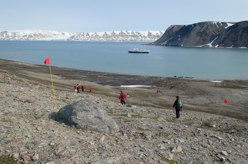 Guests head back to the Silver Explorer. What a sight! Photo © 2015 Aaron Saunders
