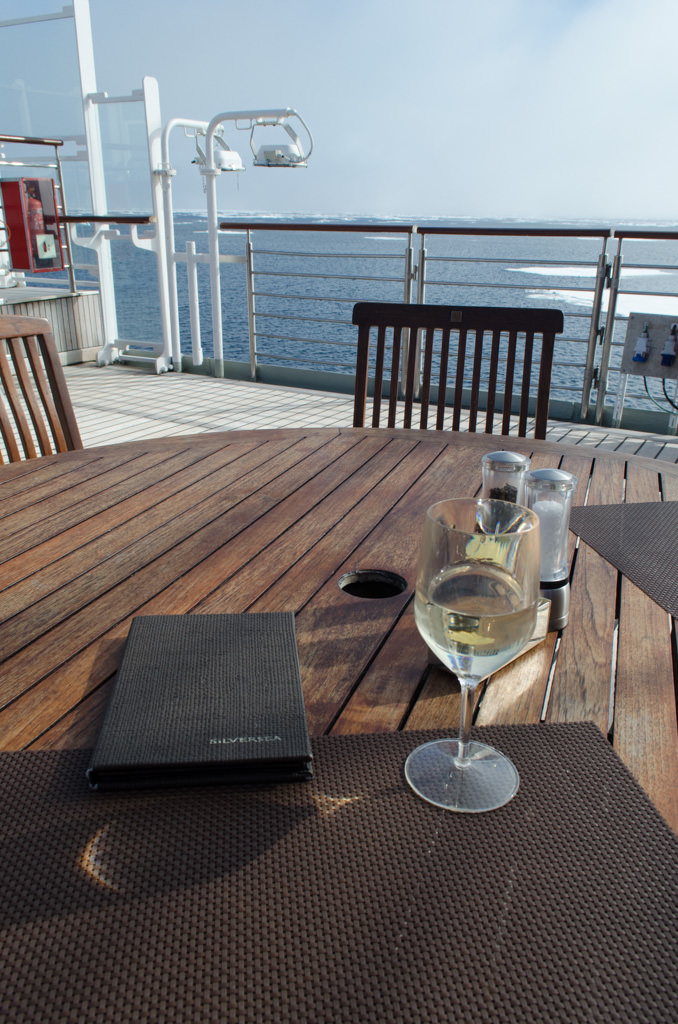...so I enjoyed lunch outside at The Grill on Deck 6 aft. Photo © 2015 Aaron Saunders