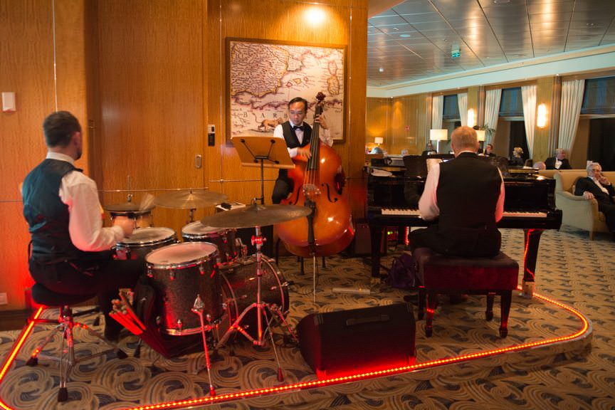 Late Night: listening to the Mark Hodgson Trio play some spectacular live Jazz in the Chart Room, Deck 3. Photo © 2015 Aaron Saunders