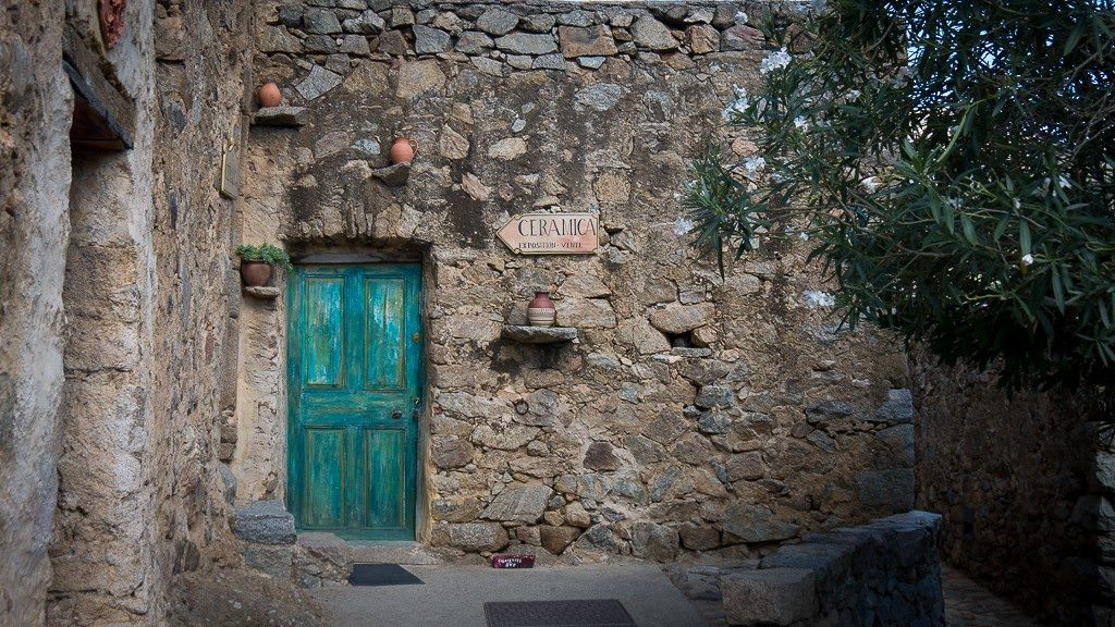 Corsican Villages tour. © 2015 Avid Travel Media Inc.