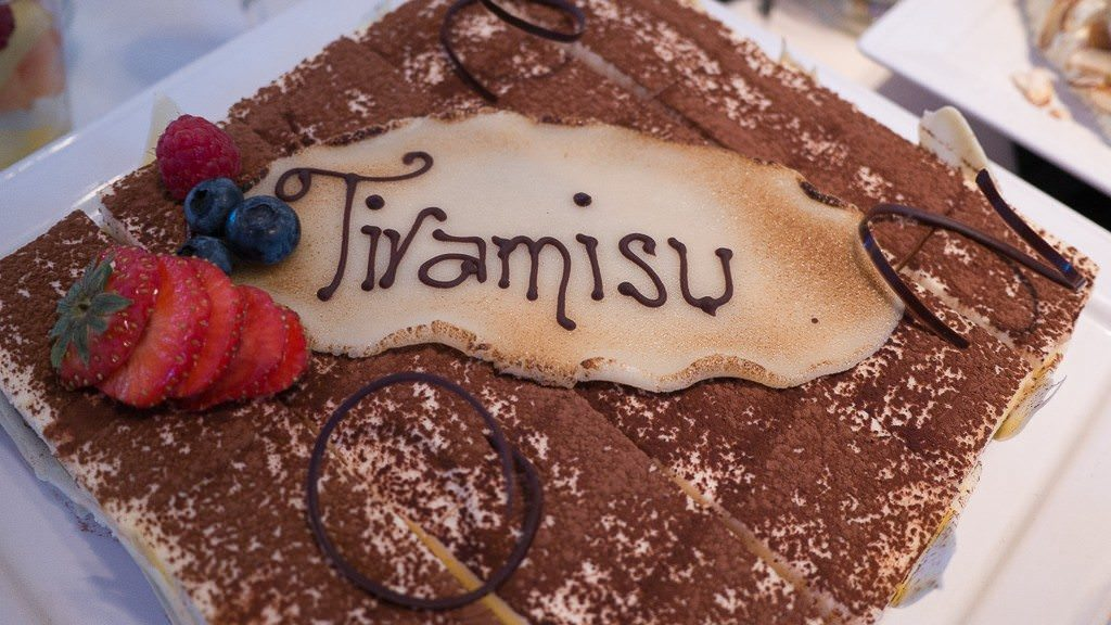 Seabourn Sojourn Tiramisu. © 2015 Avid Travel Media Inc.