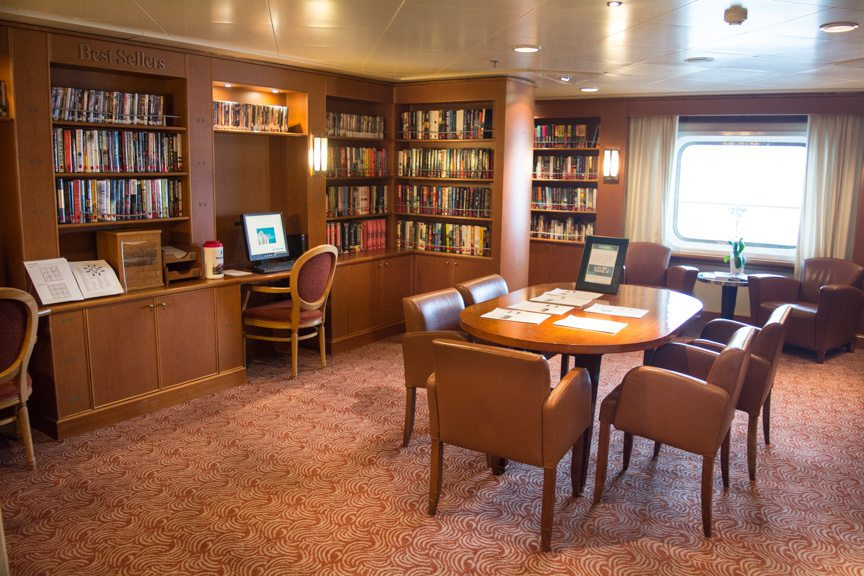 The Library, Deck 7. Photo © 2015 Aaron Saunders