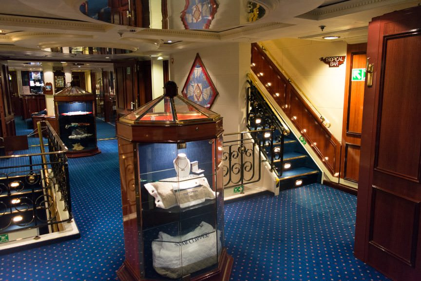 The Galleries and Reception Desk, Deck 2. Photo © 2015 Aaron Saunders