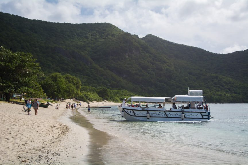 Guests tender ashore at Union Island, Grenadines. Photo © 2015 Aaron Saunders
