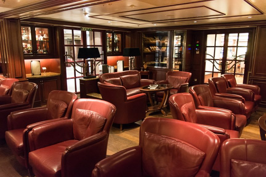 ...and the Connoisseur Club, Deck 8 aft. Photo © 2016 Aaron Saunders